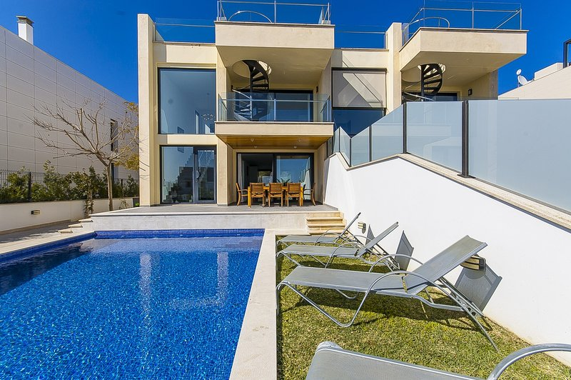 Villa Aqua - Image 1 - Puerto de Alcudia - rentals