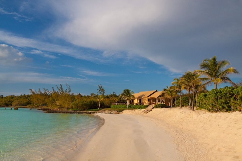 Luxury 13 bedroom Bahamas villa. Exclusive, All-Inclusive villa on Harbour Island! - Image 1 - Harbour Island - rentals