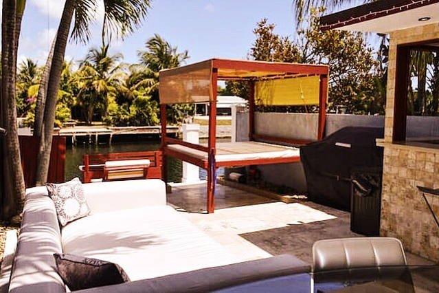 Villa San Souci - Miami Waterfront w/ Outdoor Bar & BBQ - Image 1 - North Miami - rentals