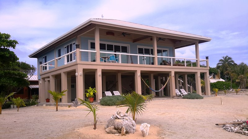 Seaclusion -Spectacular Ocean Front Home - Image 1 - Utila - rentals