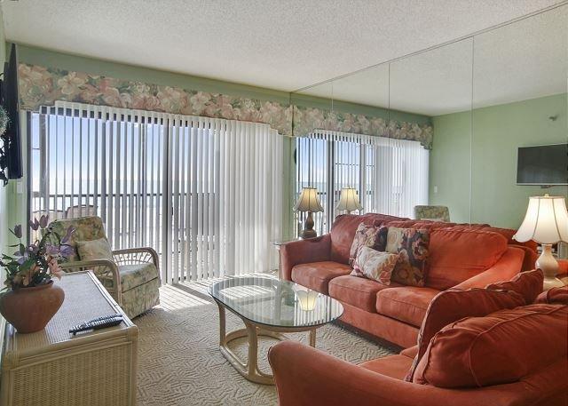 Living Area - Villa Madeira #206 - Madeira Beach - rentals