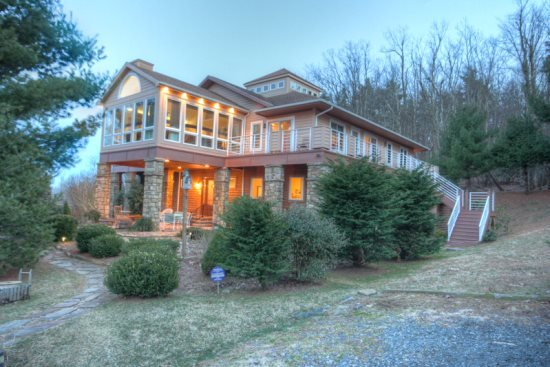Large, Upscale Mountain Lodge near Boone and Blowing Rock with 12 Bedrooms, 2 Kitchens, Hot Tub, Pool Table, Long Range Views - Image 1 - Boone - rentals