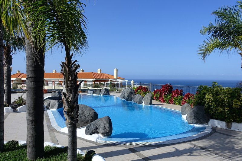 Swimming pool - Holiday Apartment with lovely sea views. - Puerto de la Cruz - rentals