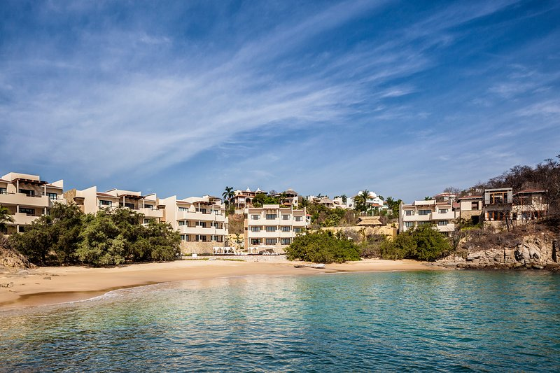 3 Bedroom Beachfront Residence - Image 1 - Huatulco - rentals