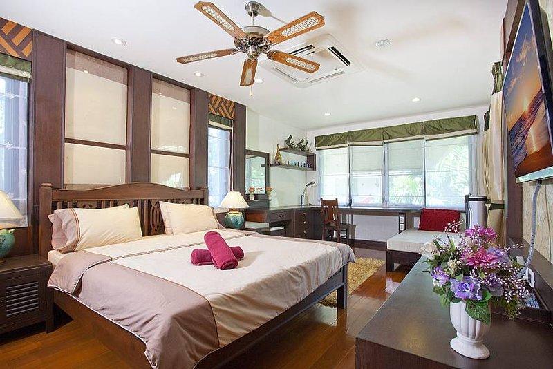 Baan Kon Lafun | 3 Bed Modern Asian Pool Home in Central Pattaya - Image 1 - Pattaya - rentals