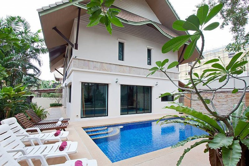Baan Kon Lafun | 3 Bed Modern Asian Pool Home in Central Pattaya - Image 1 - Pattaya - rentals
