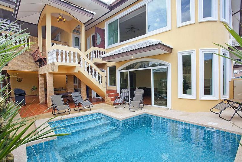 Villa Patiharn | 7 Bed Property with Pool and Games Room in East Pattaya - Image 1 - Pattaya - rentals