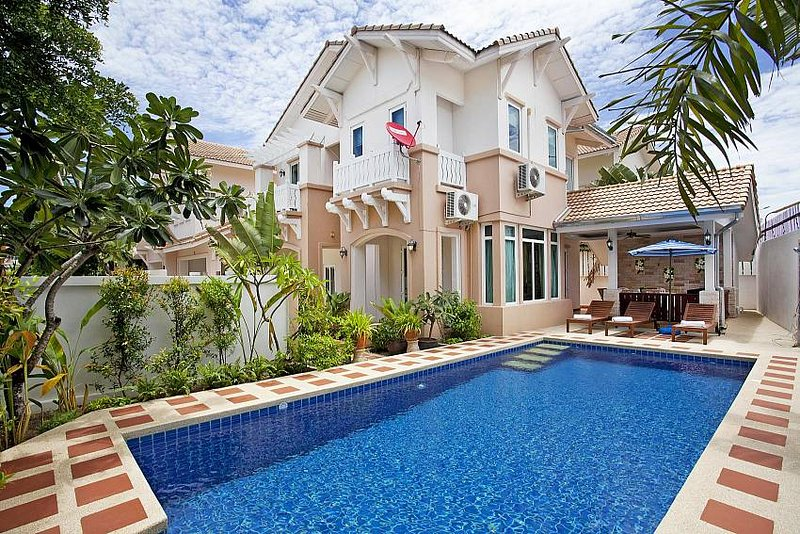 Family 4 bed villa 1km to beach - Image 1 - Jomtien Beach - rentals