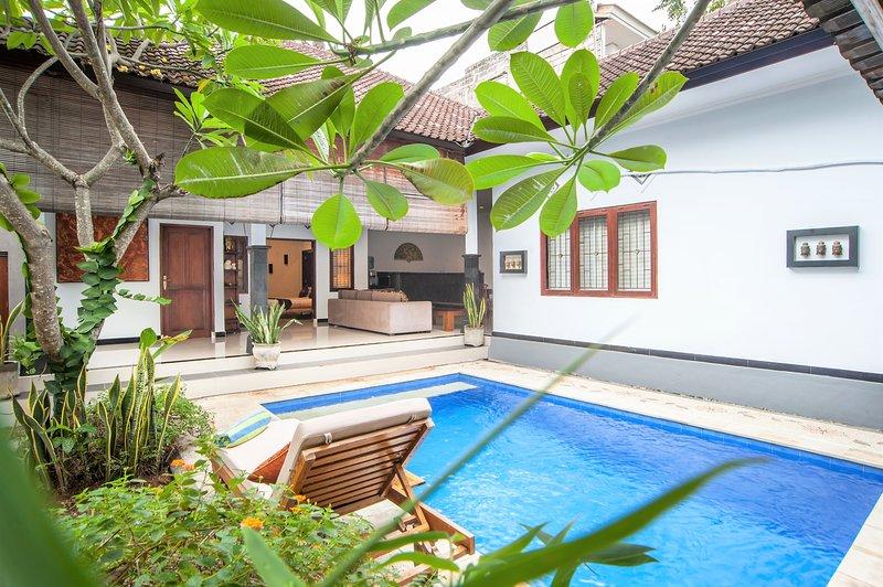 Cute 2BR Villa near KuDeTa beach - Image 1 - Seminyak - rentals