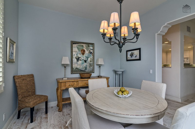 The dining room is well appointed, just like the rest of the home. - Elegant condo is perfect for Urban Wine Tour and just blocks from the beach - 30 Night Minimum - Bella Mar - Santa Barbara - rentals