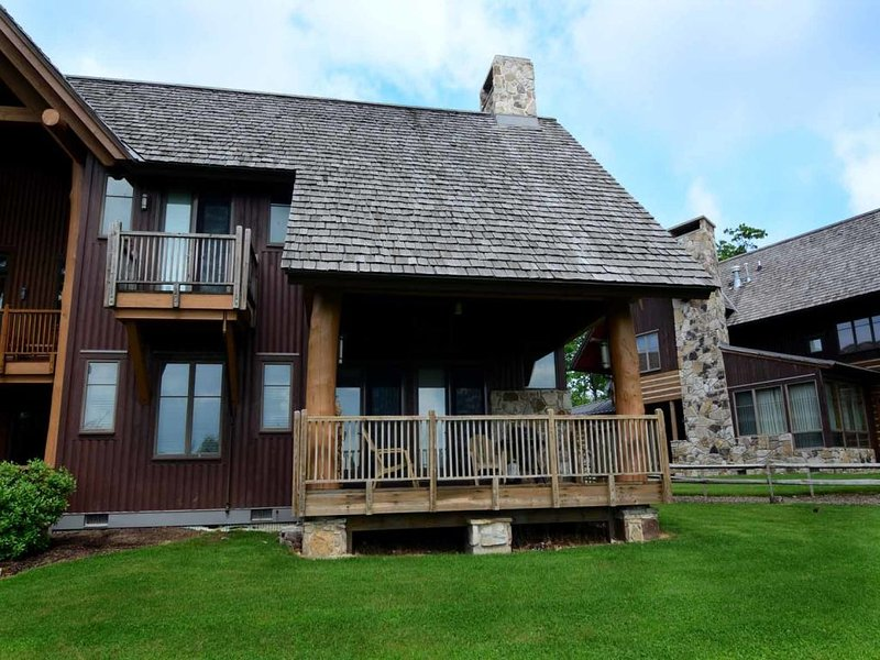 astepext_15.jpg - Wake up, get dressed, and away you go! At A Step Away, your front door is just 25 feet away from all the fun, action, and adventure of a day at the Wisp Resort. - McHenry - rentals