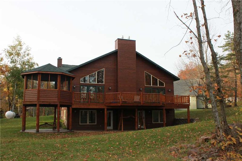 Located at Base of Powderhorn Mtn in the Western Upper Peninsula, Large Trailside Home with Multpile Hot Tubs & Grand Room Facing the Slopes - Image 1 - Bessemer - rentals