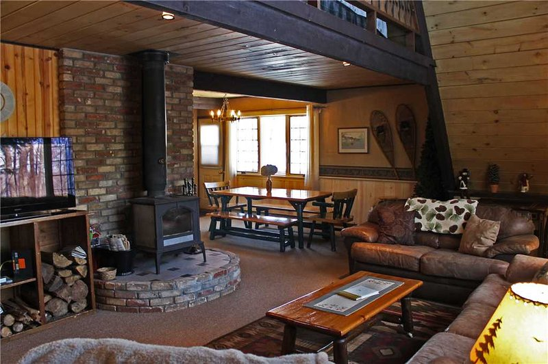 Located at Base of Powderhorn Mtn in the Western Upper Peninsula, A Trailside Home with Large Cozy Living Room - Image 1 - Bessemer - rentals