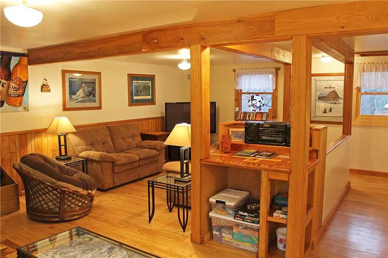 Located at Base of Powderhorn Mtn in the Western Upper Peninsula, Cozy Home with Hardwood Floors & Within Walking Distance to Main Ski Lodge - Image 1 - Bessemer - rentals