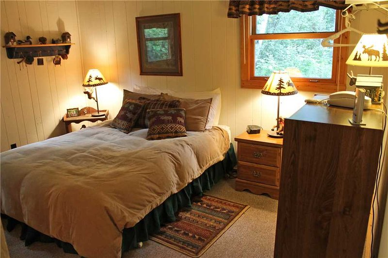 Located at Base of Powderhorn Mtn in the Western Upper Peninsula, A Modern & Cozy Vacation Home with Charming Cabin Décor - Image 1 - Bessemer - rentals