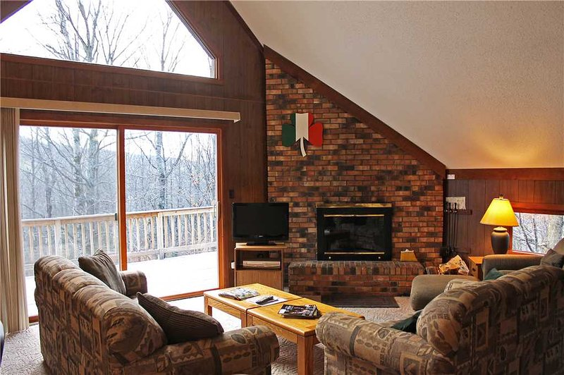 Located at Base of Powderhorn Mtn in the Western Upper Peninsula, A Cozy Vacation Home with a Beautiful Nature View - Image 1 - Ironwood - rentals