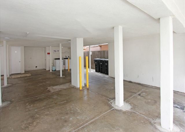 Parking Garage - Newly Remodeled Ocean Front 1st Floor Triplex, Private Patio & BBQ! (68165) - Newport Beach - rentals