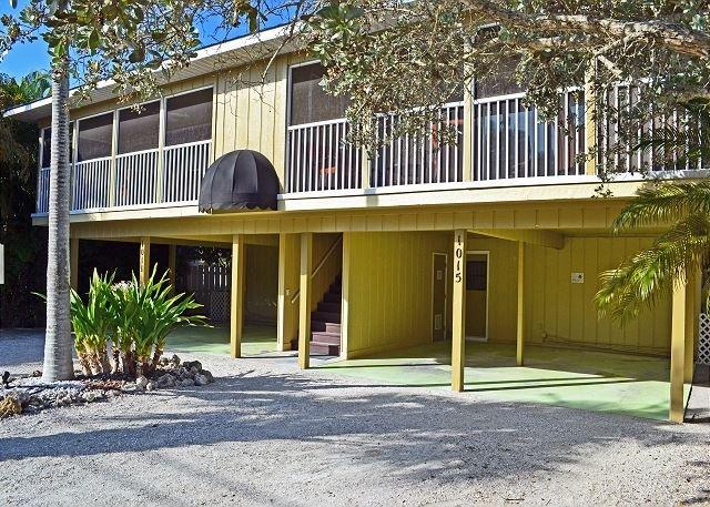 Renovated Siesta Key Vacation Rental W/ Heated Pool Walking Distance to Beach - Image 1 - Siesta Key - rentals