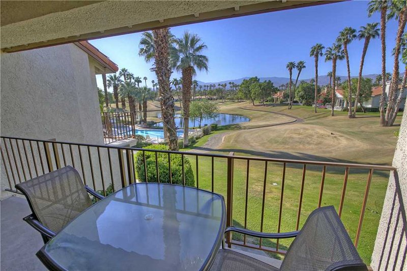 Next to Pool & Spa with Cozy Décor-Palm Valley CC (VV522) - Image 1 - Palm Desert - rentals