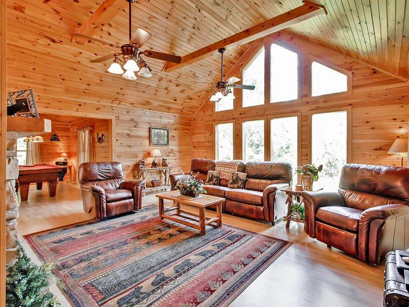 Love 4 Two Log Cabin - Image 1 - Gatlinburg - rentals
