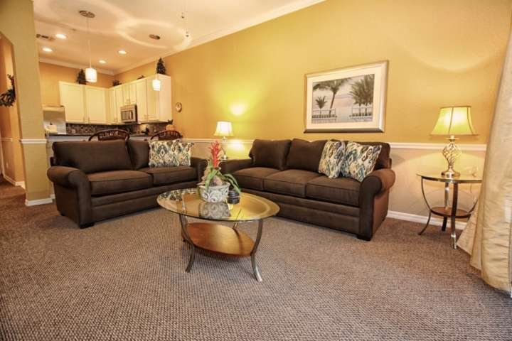 Newly Remodeled Home! Comfortable Living Room with Large Flat Screen TV & Balcony Access - 710 Bahama Bay - Davenport - rentals