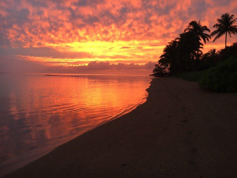 gorgeous sunset skies for the winter months - Happy House - Kaunakakai - rentals