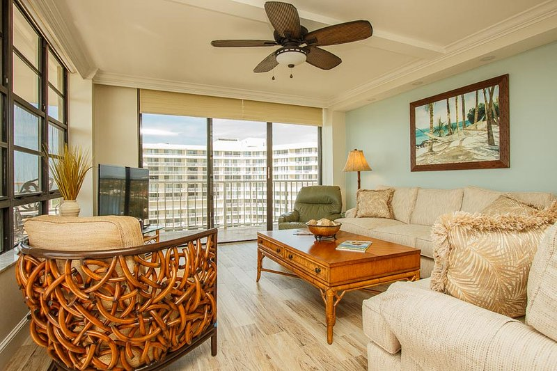 Living Area - SST3-1612 - South Seas Tower - Marco Island - rentals