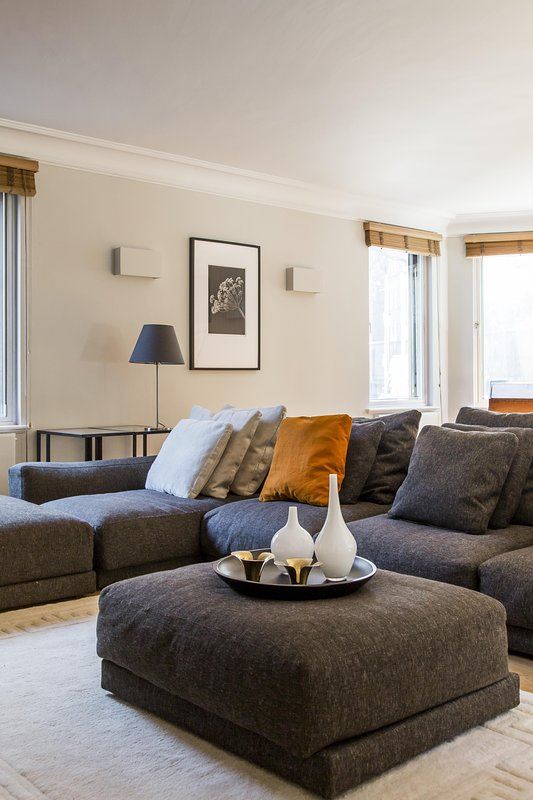 onefinestay - Holbein Place private home - Image 1 - London - rentals