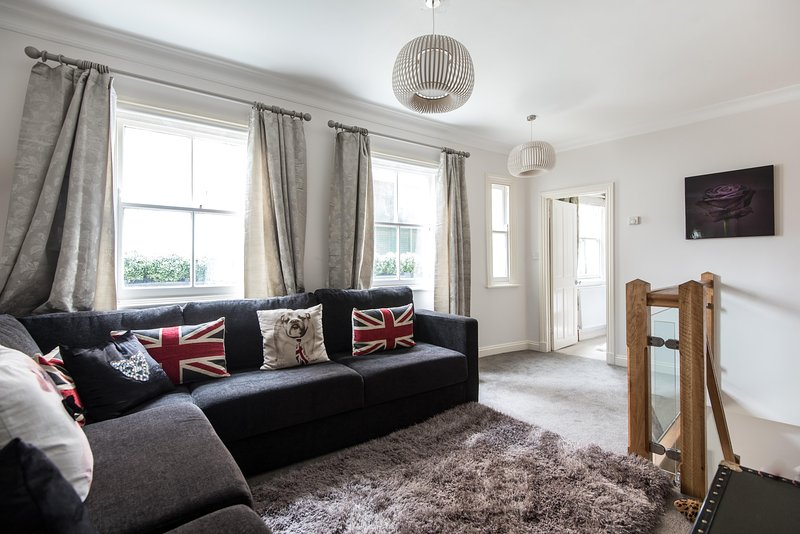 onefinestay - McLeod's Mews private home - Image 1 - London - rentals