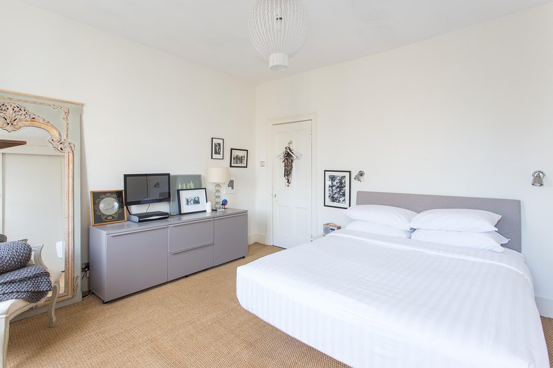 onefinestay - Ravenscroft Street private home - Image 1 - London - rentals
