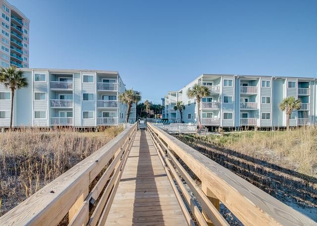 2bd/2ba comfortably furnished condo in an oceanfront three story building - Image 1 - North Myrtle Beach - rentals