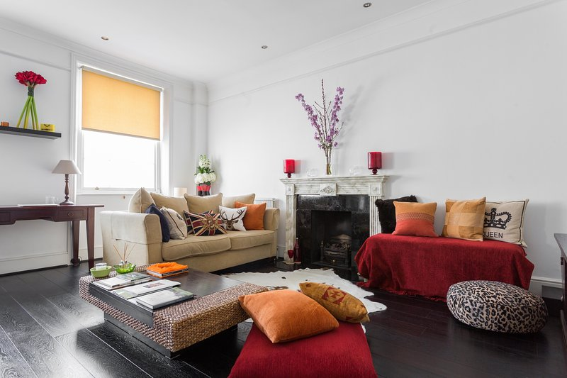 onefinestay - St George's Drive VII private home - Image 1 - London - rentals