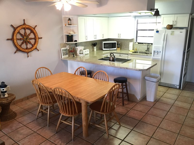 Dining and Kitchen Area - 2 Bed Key Largo Villa - Oceanfront Beach Resort - Free Secured WiFi! - Key Largo - rentals