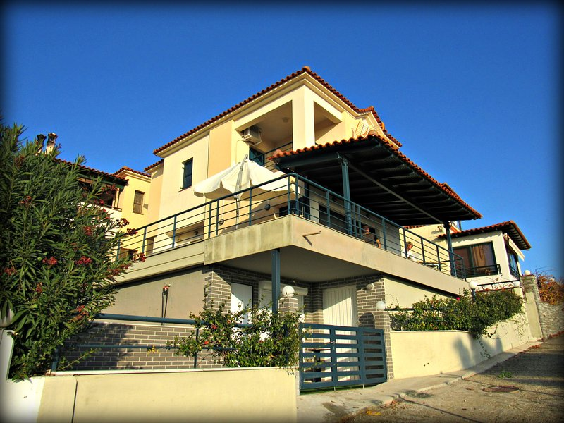 The villa from the outside - Villa (3 fl.) in Sithonia, Halkidiki - Nikiti - rentals