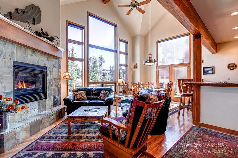Cross Chalet by Ski Country Resorts - Image 1 - Breckenridge - rentals