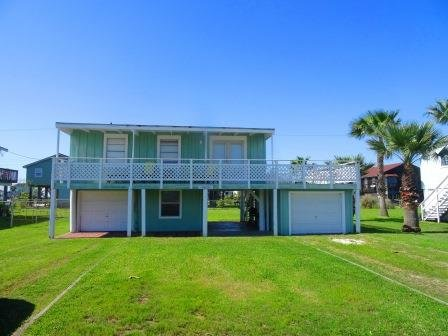 Close to Beach! Lime Inn across neighborhood Pool! - Image 1 - Galveston - rentals