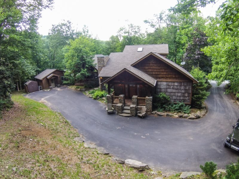 4BR Upscale Mountain House plus Guest House, Beech Mtn Club, Hot Tub, Great - Image 1 - Beech Mountain - rentals
