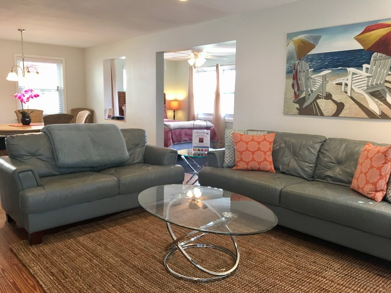Key West Suite, upstairs, fantastic open floor plan - Key West & Island Suite - Siesta Key - rentals