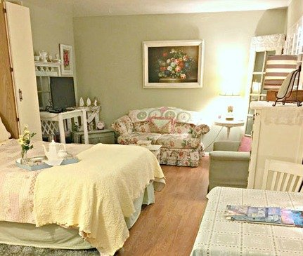 Cottage Tea Room-Cute Cottage Style Studio Apt. just Steps from the Sand - Image 1 - Oceanside - rentals