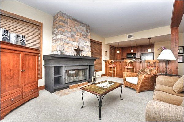 Bright and Comfortable Living Area With Fireplace - Incredible Views from the Private Balcony - Common Area Outdoor Hot Tub (6064) - Mont Tremblant - rentals