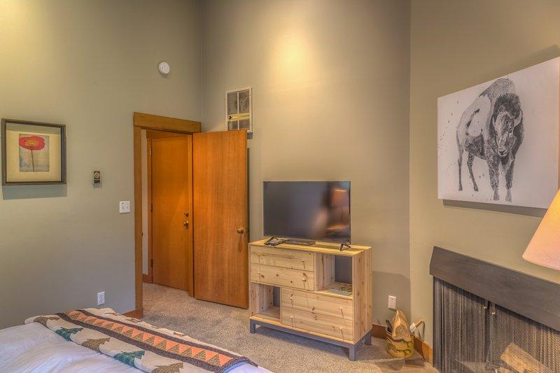 Lodge Room 030 - Image 1 - Black Butte Ranch - rentals