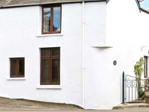 CORNER COTTAGE, semi-detached cottage, next to the village green, in Reynoldston, Ref 936468 - Image 1 - Reynoldston - rentals