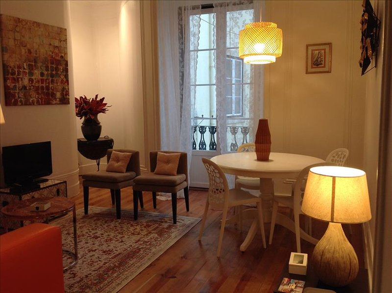 Travessa II- cozy and charming,  in the heart of the historic center - Image 1 - Lisbon - rentals