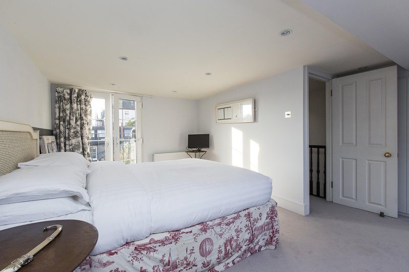 onefinestay - Ashington Road private home - Image 1 - London - rentals