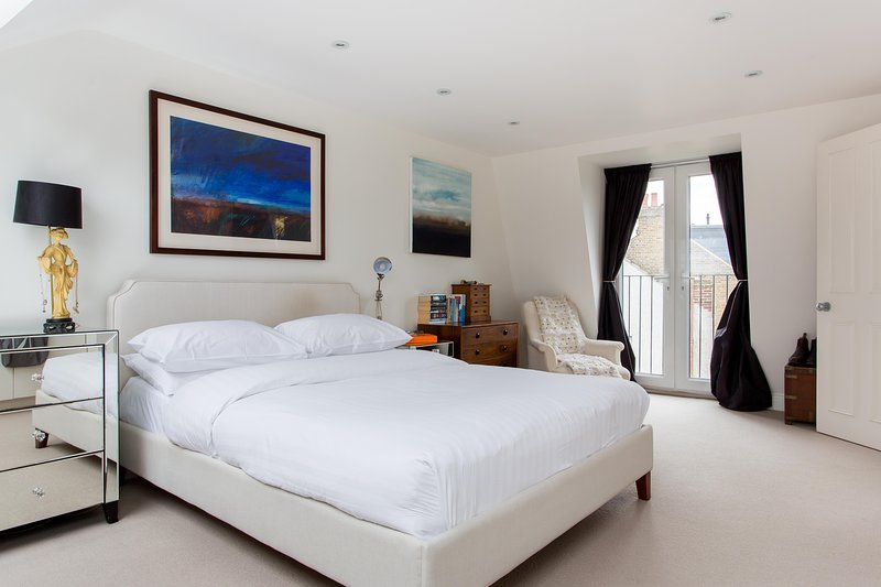onefinestay - Chatto Road private home - Image 1 - London - rentals