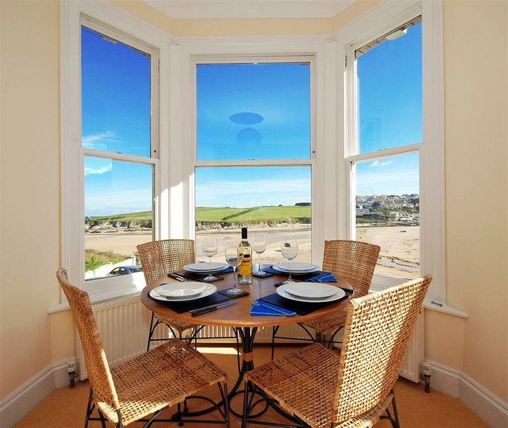4 Seashore located in Newquay, Cornwall - Image 1 - Newquay - rentals