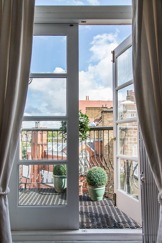 onefinestay - Chelsea Embankment II private home - Image 1 - London - rentals