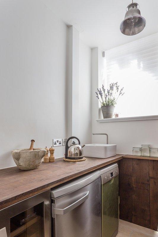 Daver Court Studio - Image 1 - London - rentals