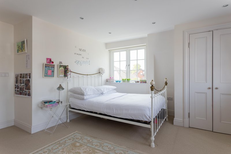 onefinestay - Denbigh Gardens private home - Image 1 - London - rentals