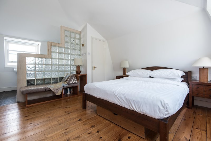 onefinestay - Denbigh Road private home - Image 1 - London - rentals